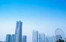 青空とビル街